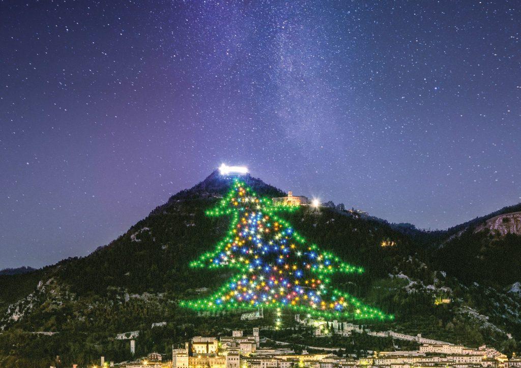 Albero di Natale di Gubbio: domenica 10 Gennaio l'ultima accensione nel tempo della pandemia