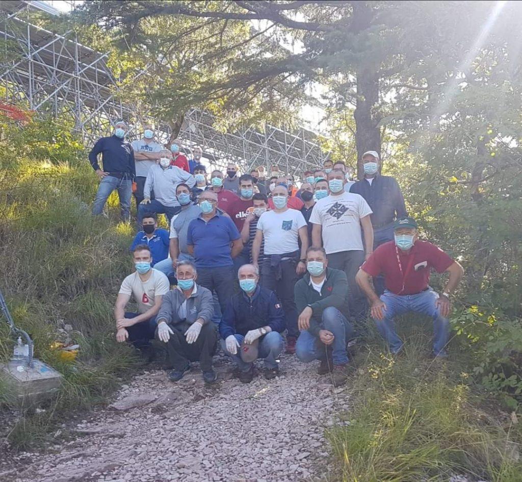 41° Allestimento dell' ALBERO DI NATALE PIU' GRANDE DEL MONDO: al via i lavori sul monte Ingino